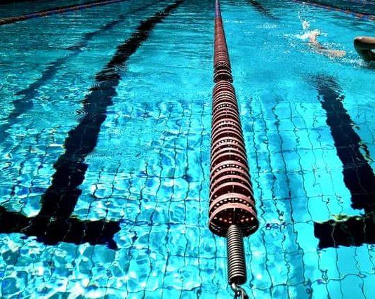 Para qué sirve el cloro de piscinas