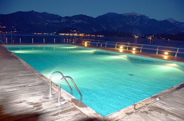 La importancia de la iluminación de piscinas en el diseño